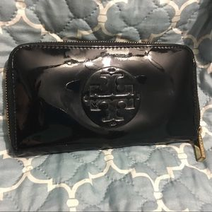 Tory Burch Bombe patent wallet-FLASH SALE